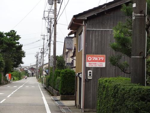 富山県射水市越の潟町