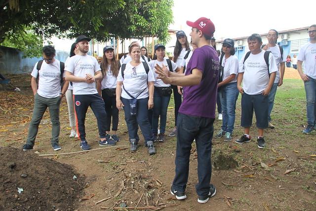 Escola municipal recebe projeto de voluntariado estrangeiro