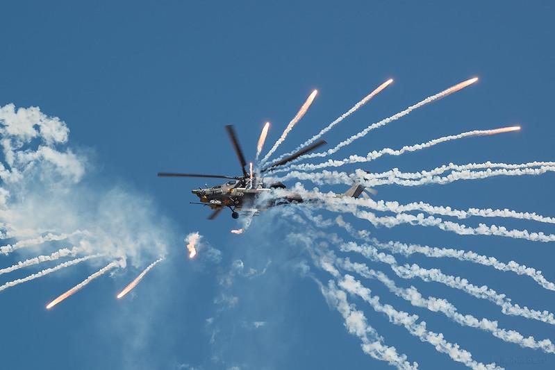 Mil_Mi-82N_RF-91088_50yellow_Russia-Airforce_733_D809237