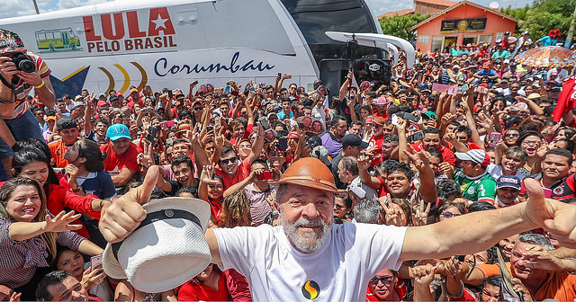 Lula took part in a caravan tour around Northeast Brazil and saw firsthand what the Brazilian people goes through - Créditos: Instituto Lula