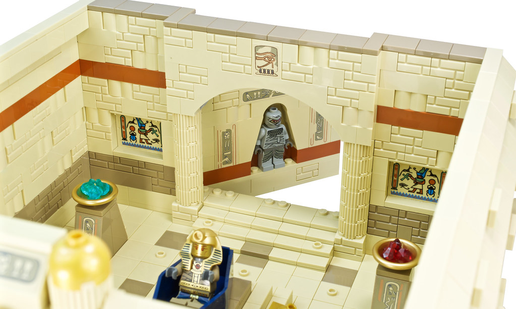 Johnny Thunder and the Lost Tomb of Ramesses VIII - Secret door