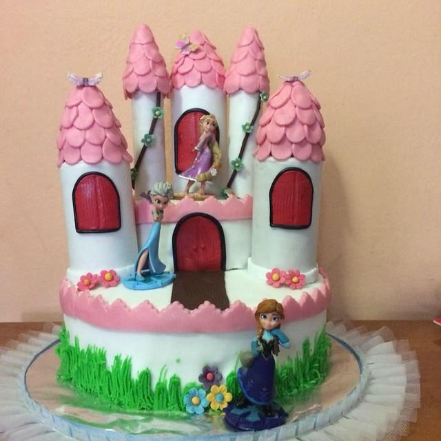 Cake by Samanali cakes