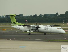 AirBaltic DHC-8-Q402 YL-BAH taxiing at DUS/EDDL