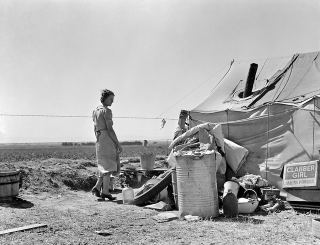 Young family just arrived from Arkansas camped along the road. Imperial Valley, California, Spring 1937.