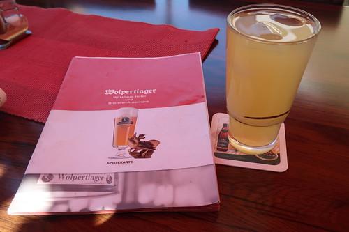 Apfelschorle im Brauerei-Ausschank Wolpertinger