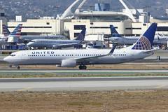 N66803 Boeing 737-924 UAL LAX