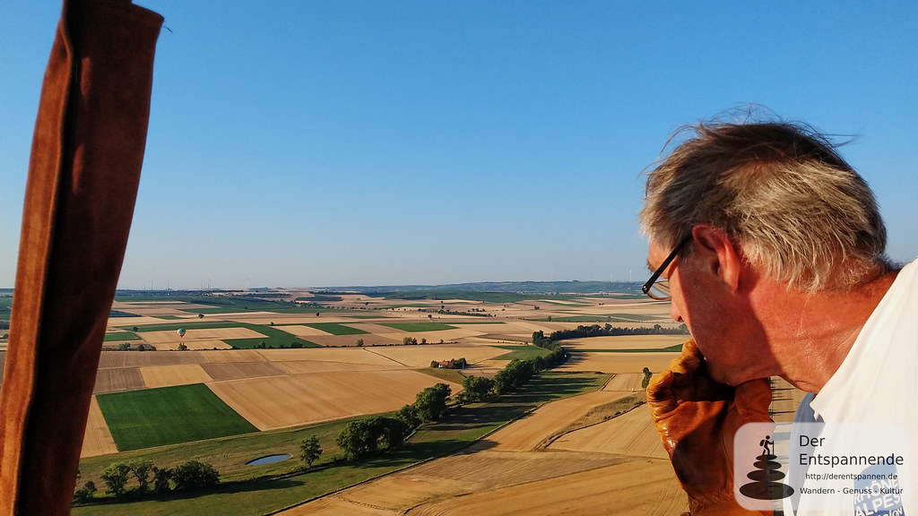 Andreas Guddat, nach Landplatz schauend