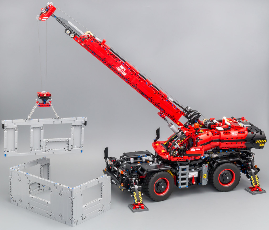 42082 - Rough Terrain Crane
