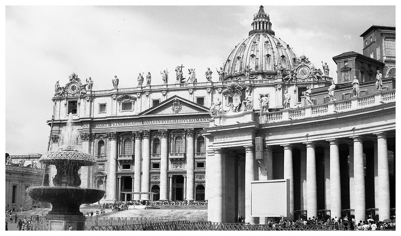 rome vatican st peters sq3