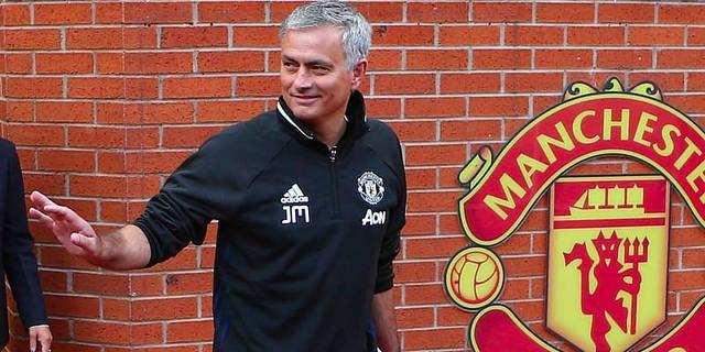 Jose MourinhoAkhir ini Disoro Terkait Kondisi Manchester United