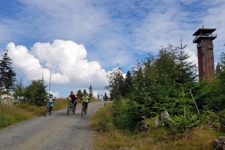 Bike SNOW tour: Špičák – lanovkou na rozhlednu, do bikeparku i naučnou stezku