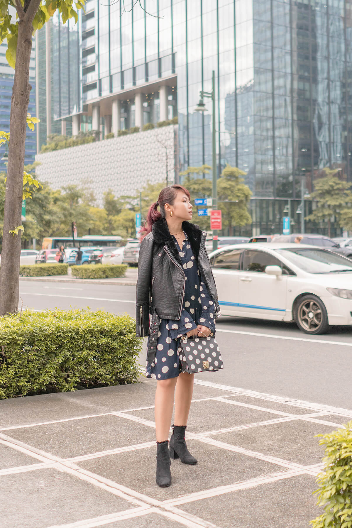 Trice Nagusara Monochrome Outfit Black