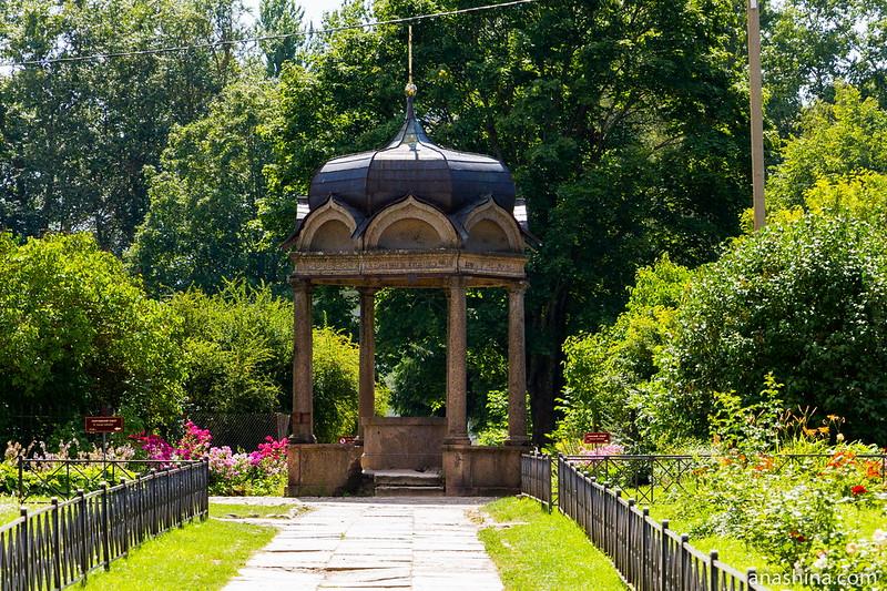 Часовня-сень над святым источником, Юрьев монастырь, Новгород Великий