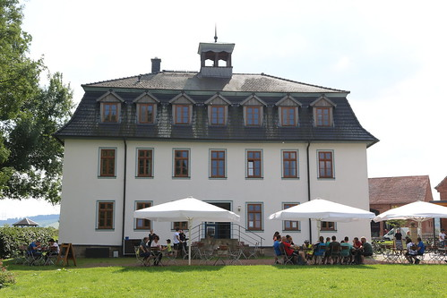 Stiftsgut Wilhelmsglücksbrunn: Hotel und Restaurant & Café Saline im ehemaligen Verwaltungsgebäude der Saline