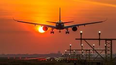 Singapore Airbus 350 landing in Amsterdam