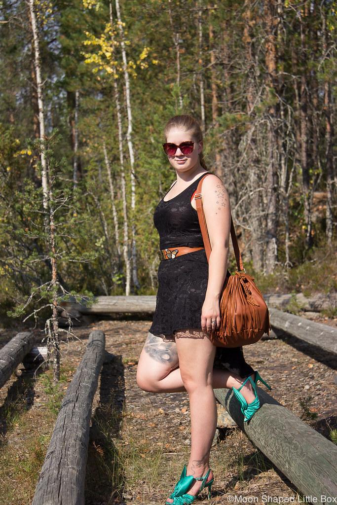 päivän asu, tyylibloggaaja, Solan metsäkirkko, hapsulaukku, kotimainen nahkalaukku