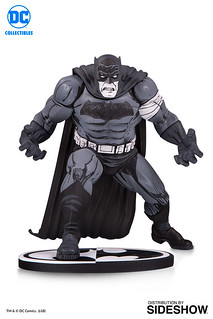 DC Collectibles 蝙蝠俠黑白雕像系列【蝙蝠俠by Klaus Janson】Batman Black and White: Batman by Klaus Janson Statue