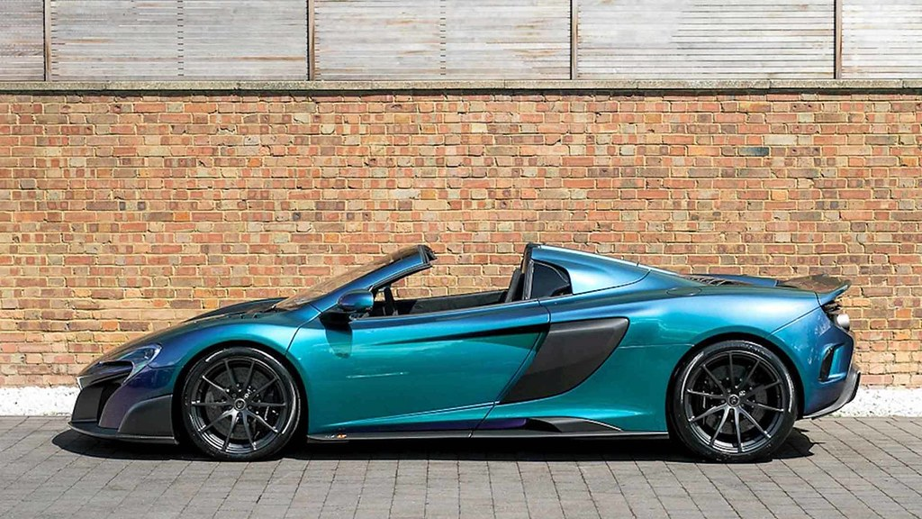 mclaren-675lt-spider-in-chameleon-paint