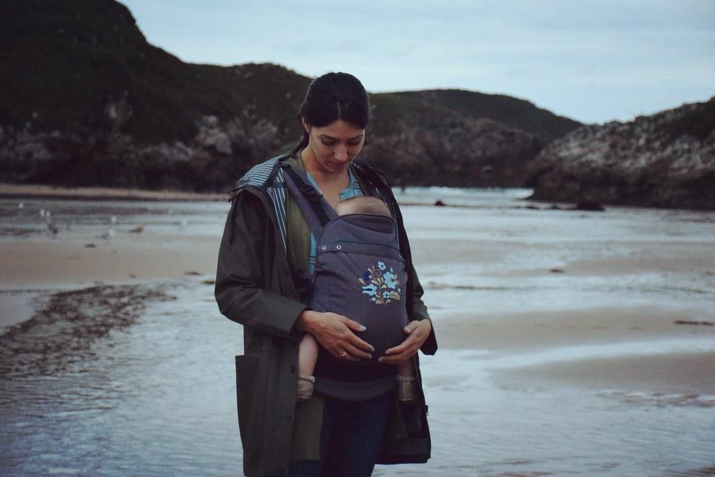 Porteando a Samuel con la Liliputi en Asturias