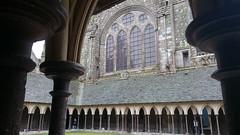 Mont Saint Michel, claustro