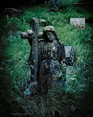 Leaning On The Cross . . . . #cemetery #sculpture #cross #memorial #graveyard #churchyard #gravestones #graves #chrislord #chrislorddotnyc #pixielatedpixels #darkphotography #creativeimages #artphoto #graveyard_freaks #grave_affair #project_necropolis #en