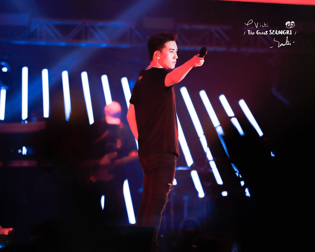 BIGBANG via vivivi1212_ - 2018-08-12  (details see below)