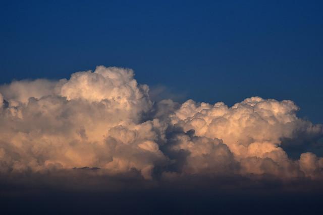 clouds 170516001, Nikon D3300, Tamron SP 35mm f/1.8 VC