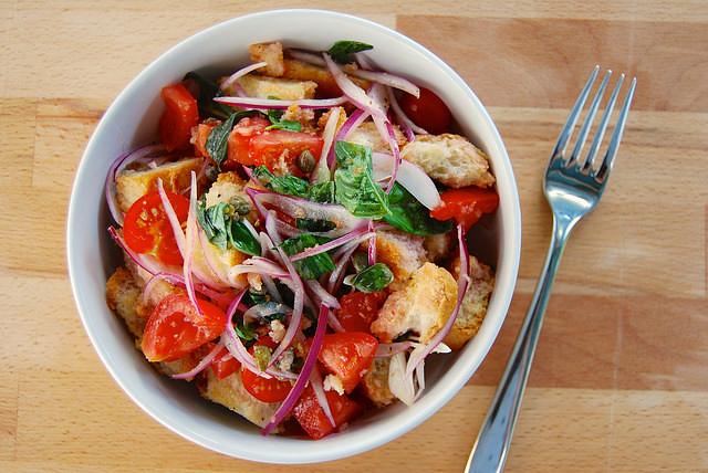 Panzanella Salad #panzanella #bread #tomato #leftovers #italian #salad