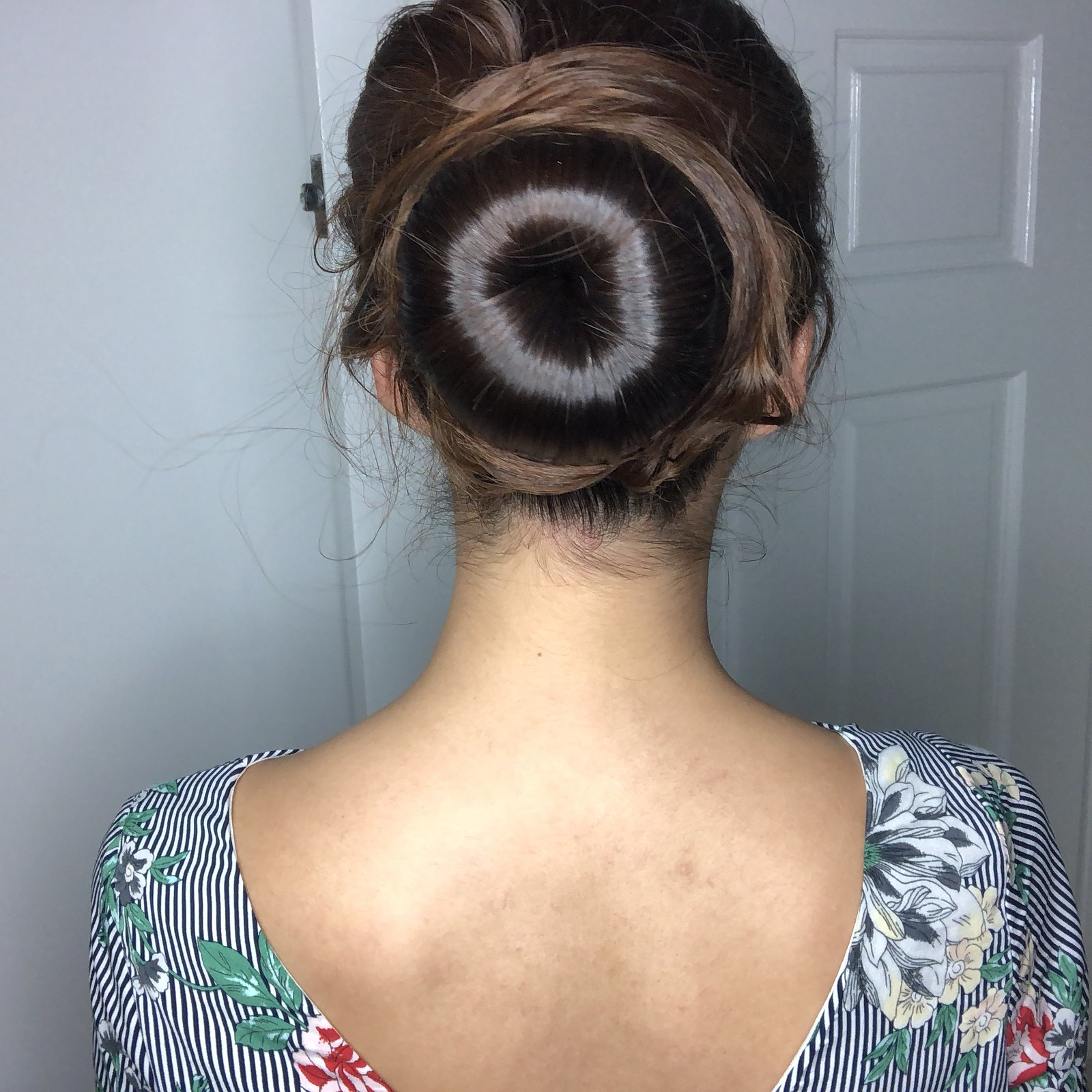 All that hair spray just to achieve this huge bun, my hair was terribly abused.