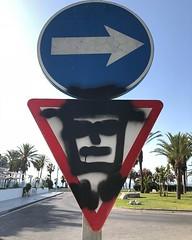 Street sign art #streetshooter #streetart #graff #graffiti #graffitiart #streetsign #streetsignart #keepright #icu_europe #instagramhub #fidodido