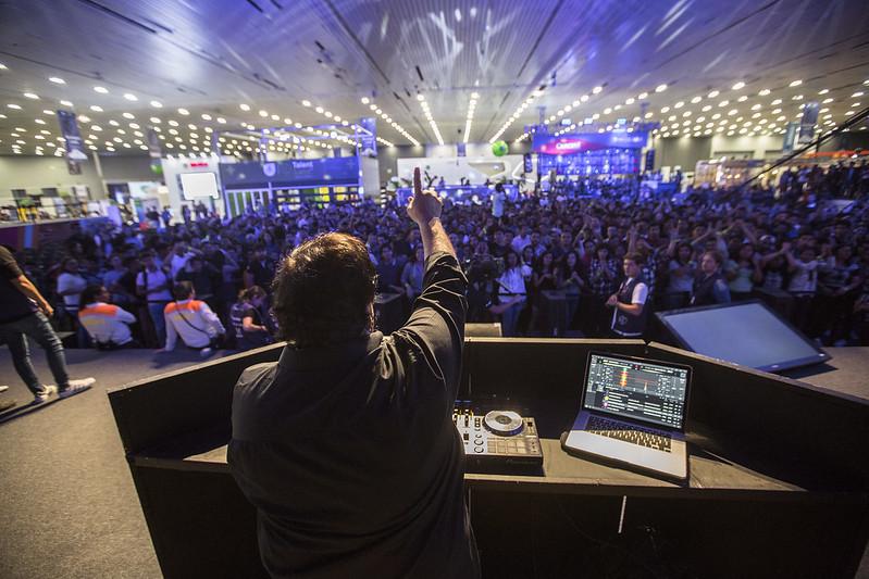 DJ César Cosío