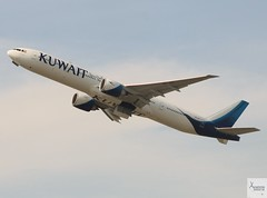 Kuwait Airways B777-369ER 9K-AOI taking off at LHR/EGLL