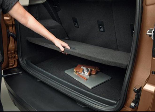 【圖一】全新上市的New Ford EcoSport運用蜂巢的結構原理設計高強度的行李廂隔板,讓車主在安心收納貴重物品之餘,同時擁有良好的節能效...