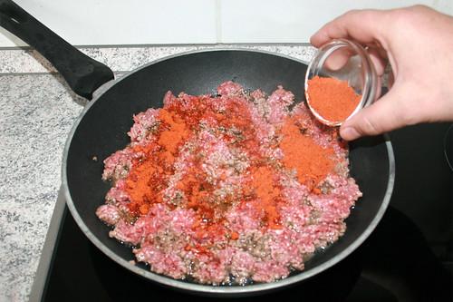 16 - Mit Taco-Gewürzmischung würzen / Season with taco seasoning