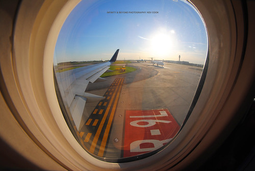 atlanta airport atl katl boeing 757 b757 cabin window seat view planes aircraft airliners runway 27r9l wing winglets