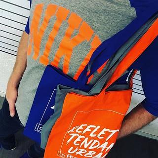 Quand tu es complètement raccord avec ta commande de sacs du jour. #anneethenri #rennes