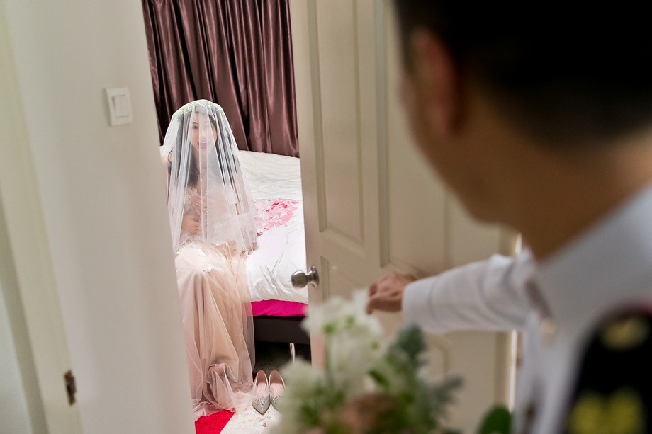 Singapore Wedding Day photography by Raymond Phang Photography.