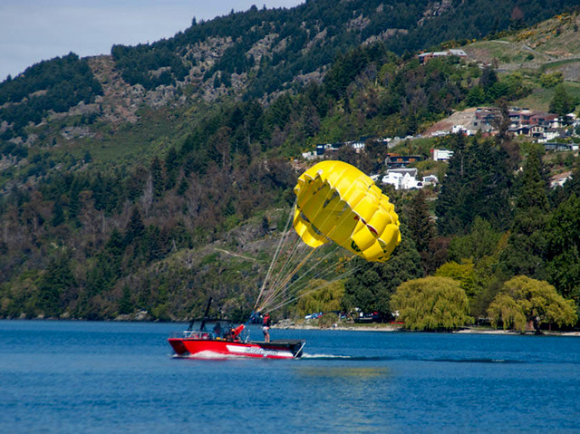 Paragliding forms one of the popular adventure tourism sports on Lake Whakatipu