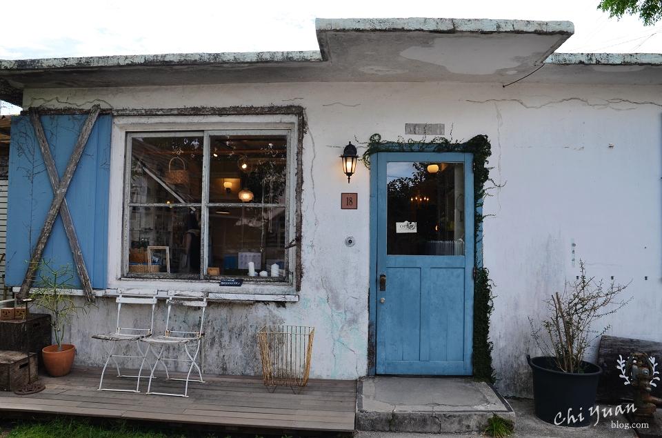 [日本。沖繩]港川外國人住宅[oHacorte]。藍白日式雜貨甜點店,如珠寶盒閃亮的水果塔,酒香葡萄夾心餅乾