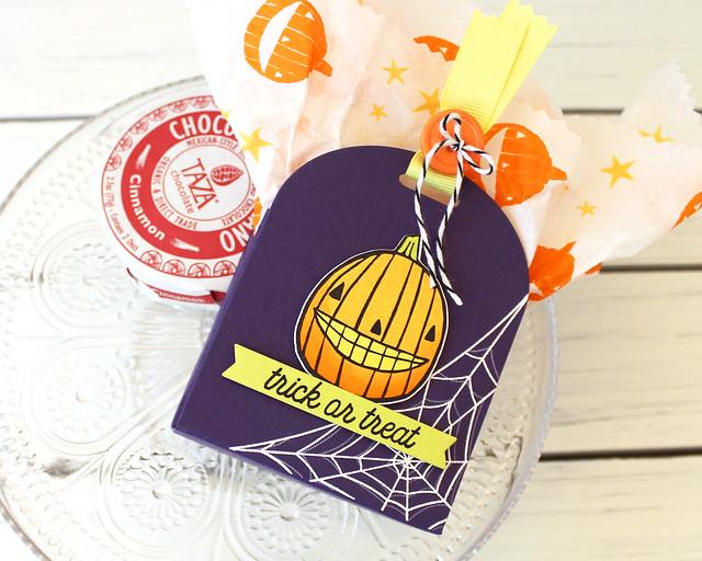 LizzieJones_PapertreyInk_August2018_GrinsGhouls_CornerAdorner_Halloween_TrickOrTreatBox2