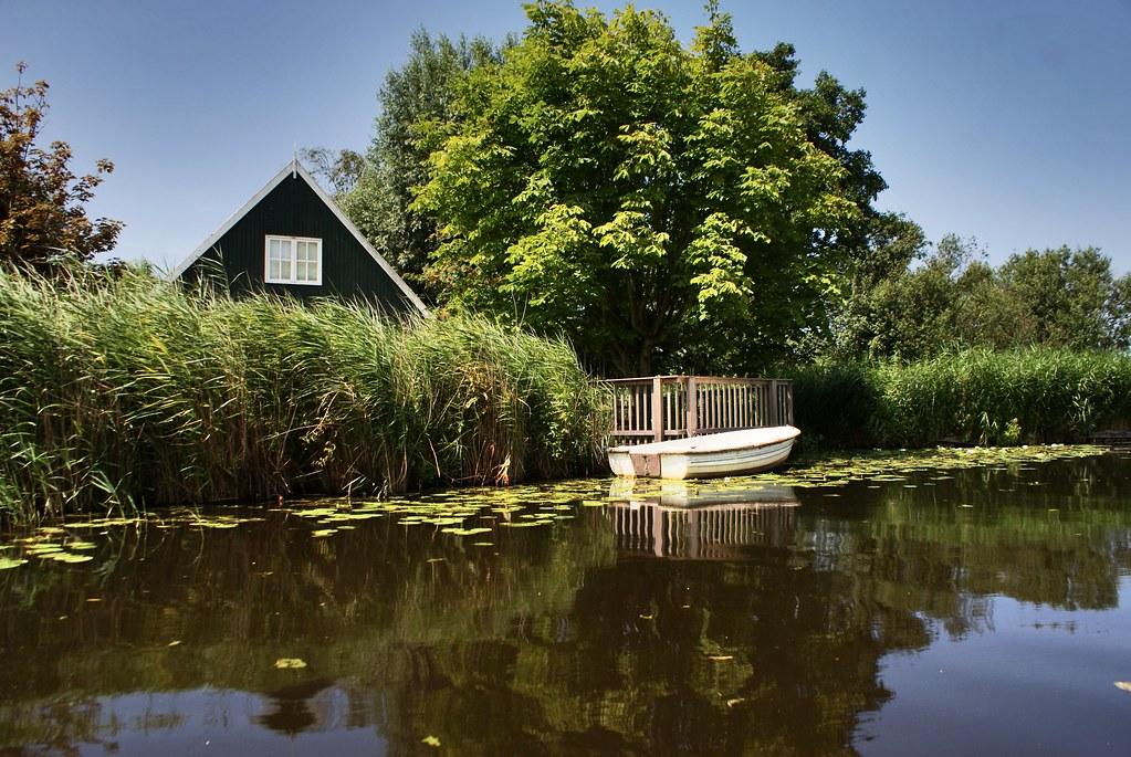 Une découverte de la vie au bord de l'eau d'un petit village à 10 minutes d'Amsterdam.