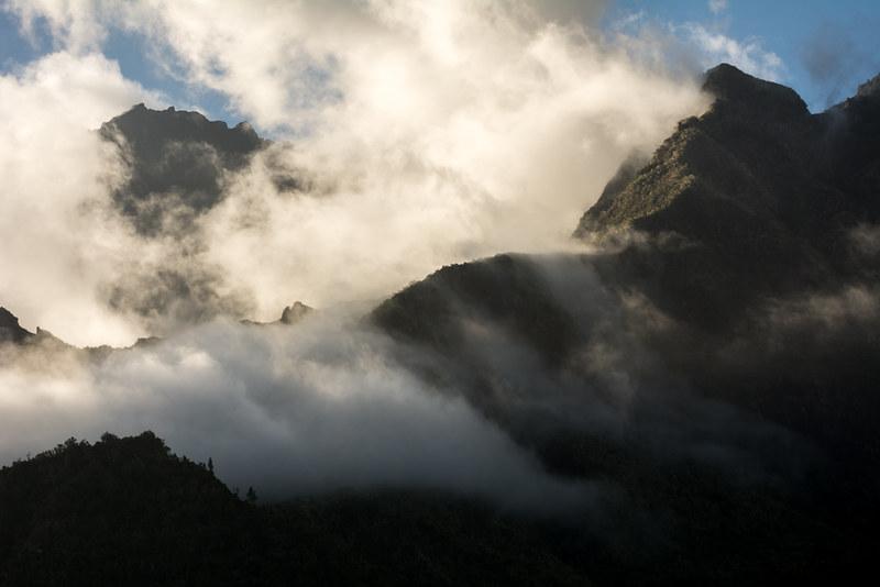 Piton des Neiges vu depuis Cilaos