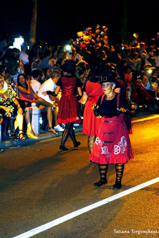 Женщина из карнавальной группы Иванич-Града