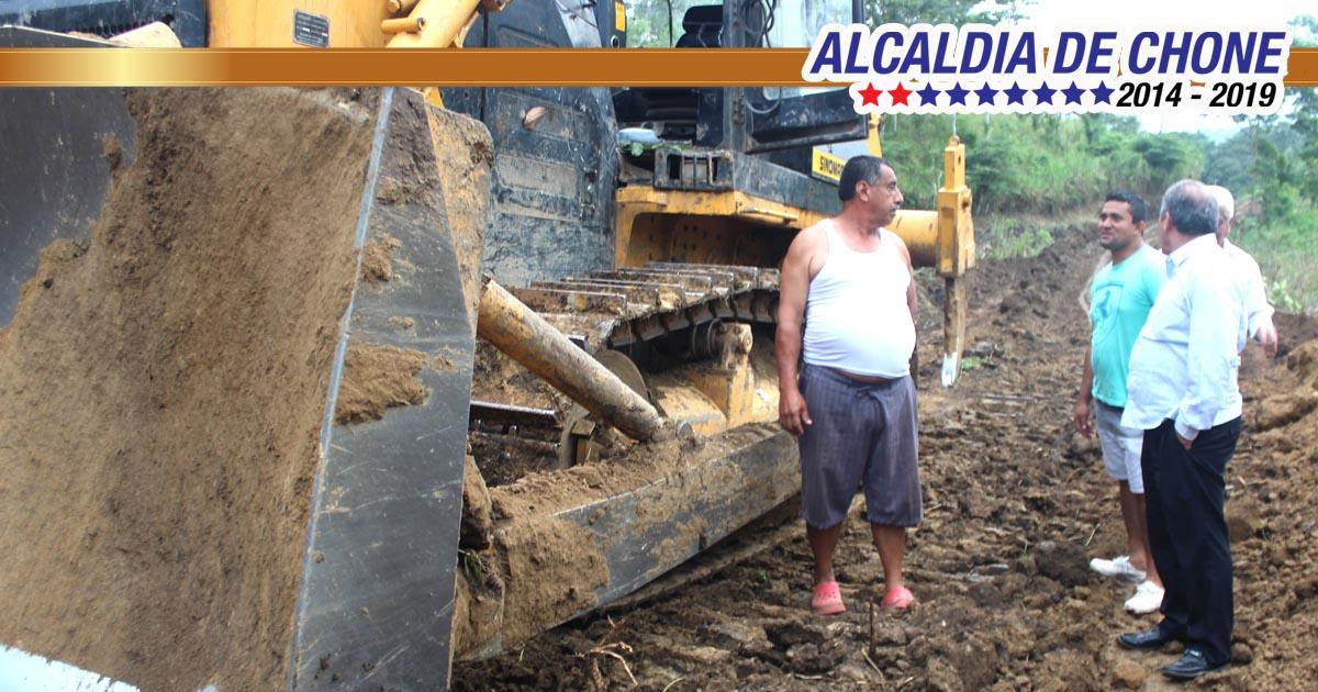 Alcalde supervisó trabajos de vialidad rural