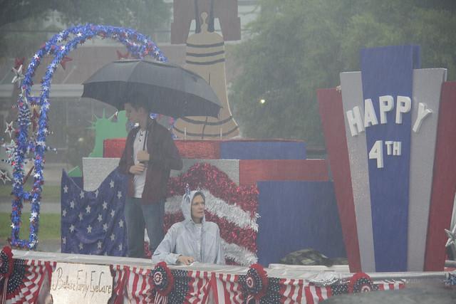 Parade rain1