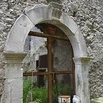 Portale in pietra di Padula