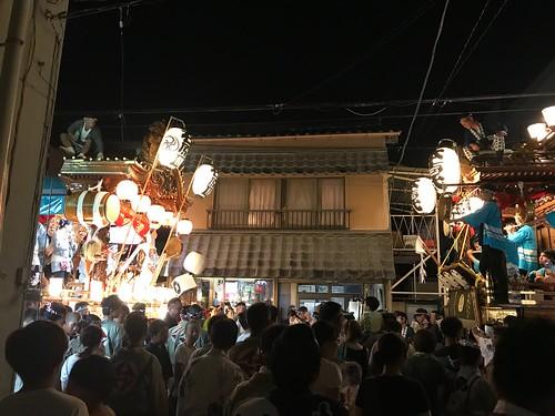 今年最後の叩き合いはモリタフォトさんの前で石原区と- うちわ祭2018