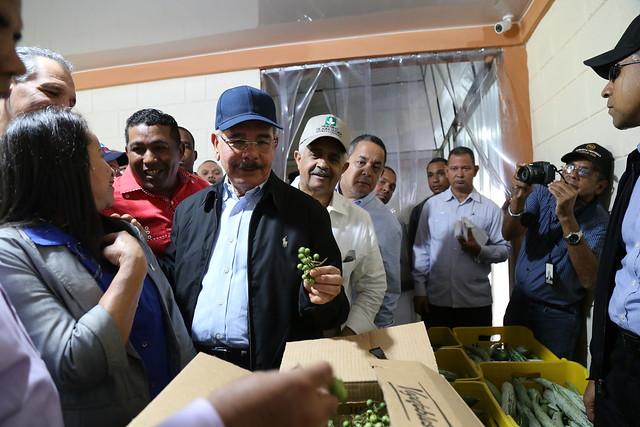Danilo Medina realiza visita de supervisión a proyectos apoyados por Visitas Sorpresa en Puerto Plata, Santiago y La Vega