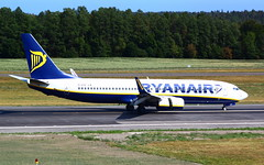 Ryanair B737-8AS (WL) EI-ESZ