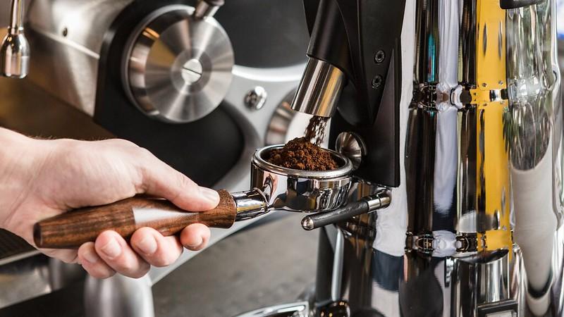 Cỡ xay cà phê và thời gian chiết xuất